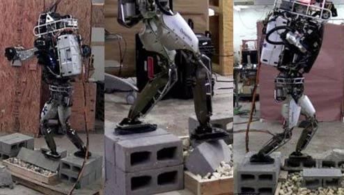 新技能get!机器人踩梅花桩如履平地