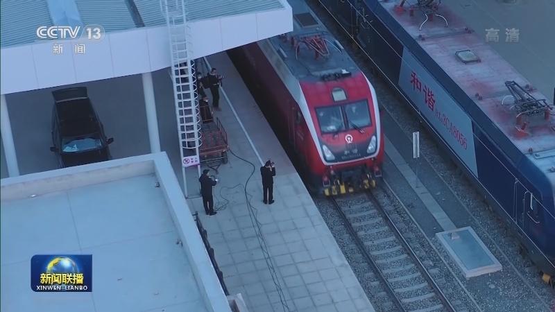 国家重点铁路建设项目格库铁路全线开通