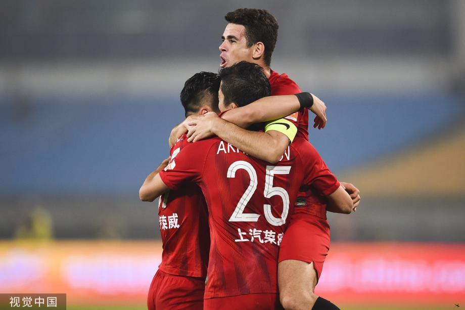 [图]中超-李圣龙艾哈建功胡尔克伤退 上港2-0国安