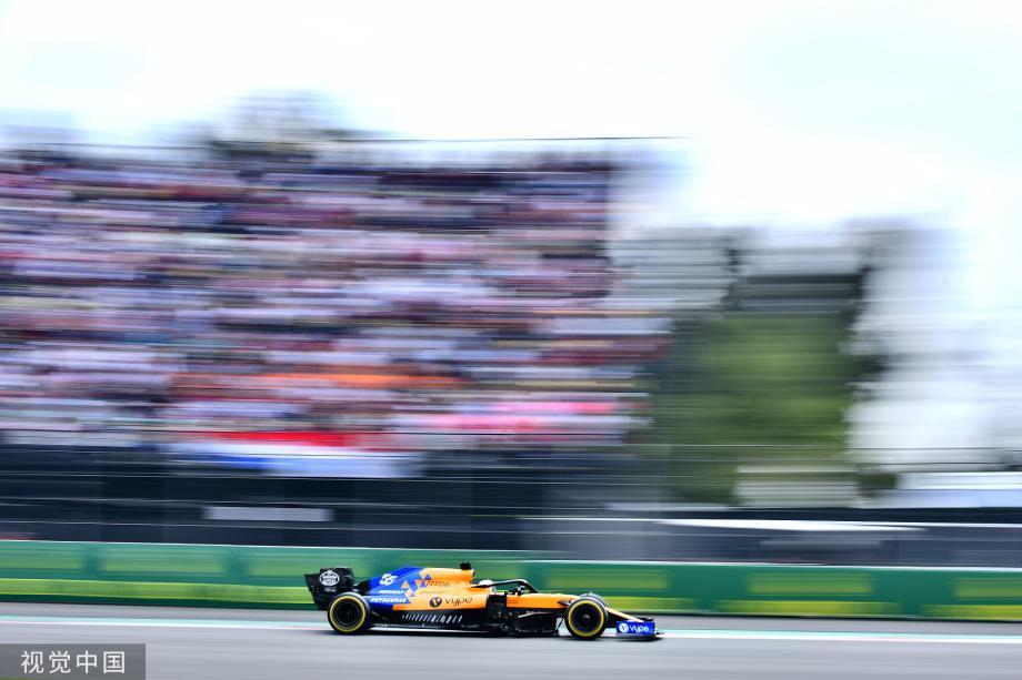 [图]F1墨西哥赛-维斯塔潘未在黄旗下减速丢掉杆位