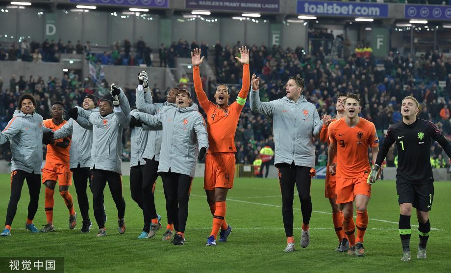 [图]博古伊斯中框 荷兰0-0北爱尔兰提前出线
