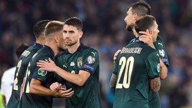 [图]若日尼奥点射 意大利2-0胜希腊提前出线