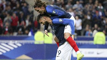 [图]欧预赛-吉鲁破门 恰神助攻扳平 法国1-1土耳其