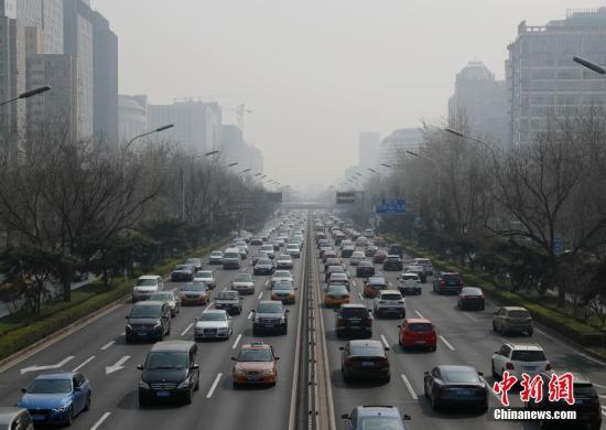 去年全国�音在刑天�X海中�仨�而起共接到环保举报71万件 大气举报仍居首位