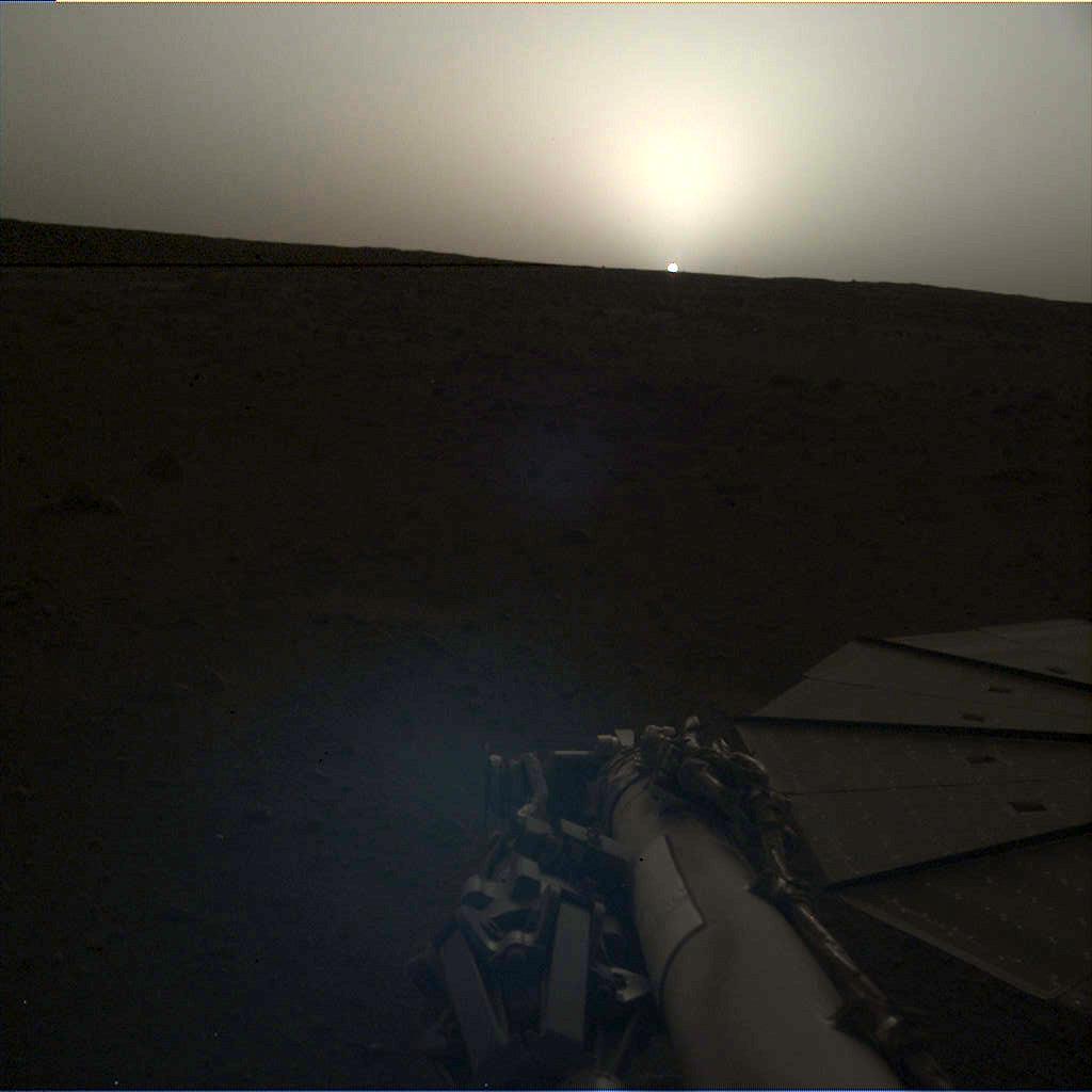 震撼!NASA果真一组最新拍摄的火星日出日落照片