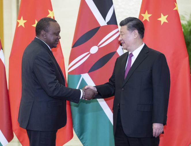 习近平会见肯尼亚总统肯雅塔