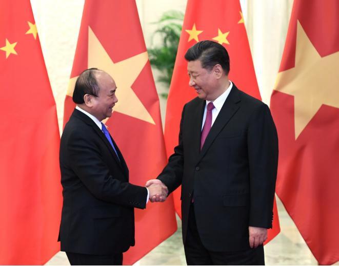 習近平會見越南政府總理阮春福