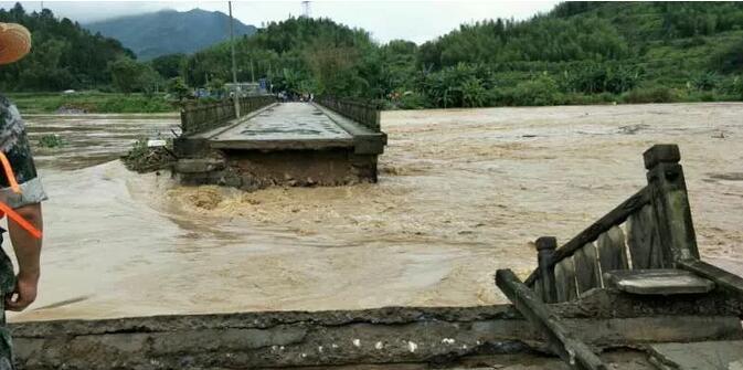 大炼村桥被冲毁  福建省路网中心供图