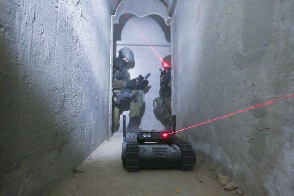 """以色列推出武装机器人:可扫荡""""致命死角"""" 弹无虚发"""