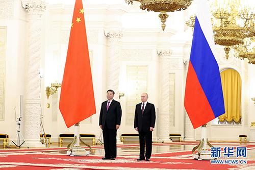 6月5日,國家主席習近平在莫斯科克里姆林宮同俄羅斯總統普京會談。這是會談前,普京總統在克里姆林宮喬治大廳為習近平舉行隆重歡迎儀式。 新華社記者 丁林 攝