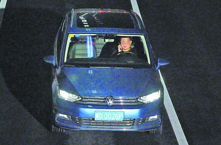 车牌号:闽D002GP  违法地点:万石山隧道文曾口(进口)