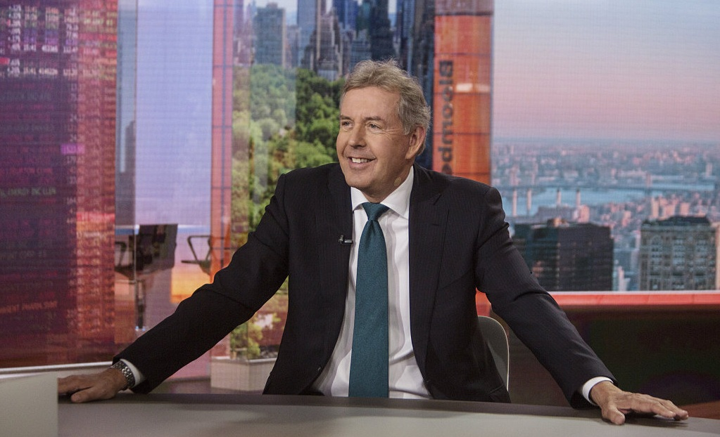 Kim Darroch, UK ambassador to the U.S., smiles during a Bloomberg Television interview in New York, U.S., May 18, 2018. /VCG Photo