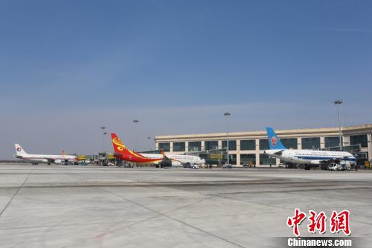 """受台风""""利奇马""""影响哈尔滨机场取消航班27班"""