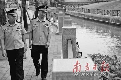 """广州齐市履行""""河湖警少造"""" 。 北方日报记者 符超军 练习死 肖楚翰 摄"""