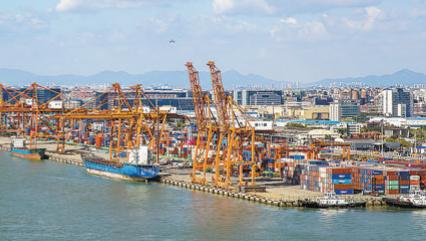 厦门自贸片区力争在建设开放型经济新体制上走在前头。