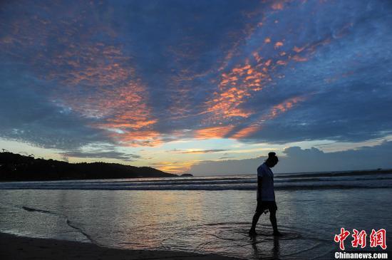 泰铢升值影响旅游业 泰国政府决定暂缓实施征收旅游税