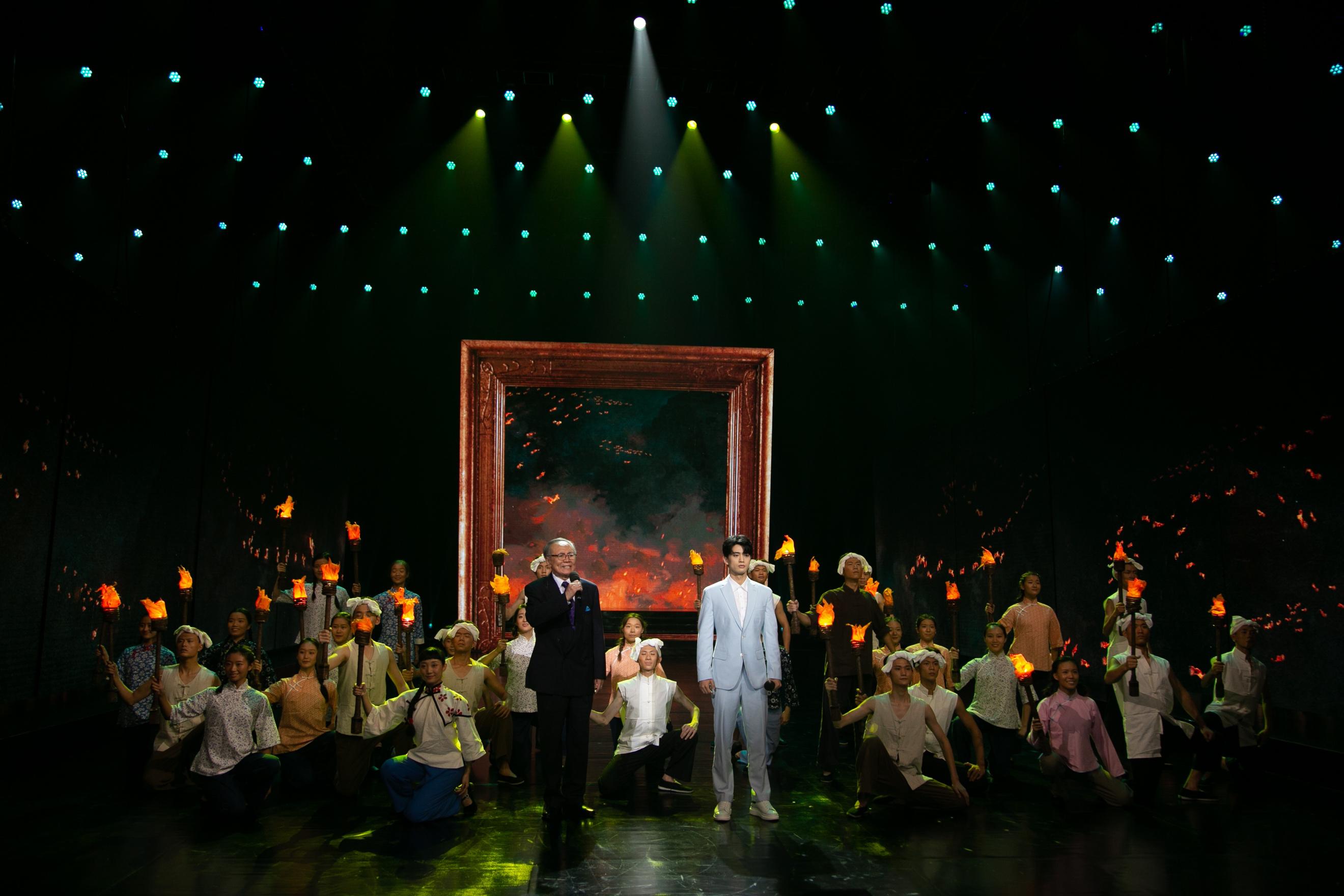 梦之城注册;由王亚彬担任领舞表演的情景舞蹈《苦难与抗争·1937》再现生灵涂炭;由廖昌永演唱的歌曲《太行山上》表达了对精忠报国的先烈们的深刻缅怀;由青年演员王力夫、何弘宇表演的情景朗诵《共同的青春》唤起共鸣
