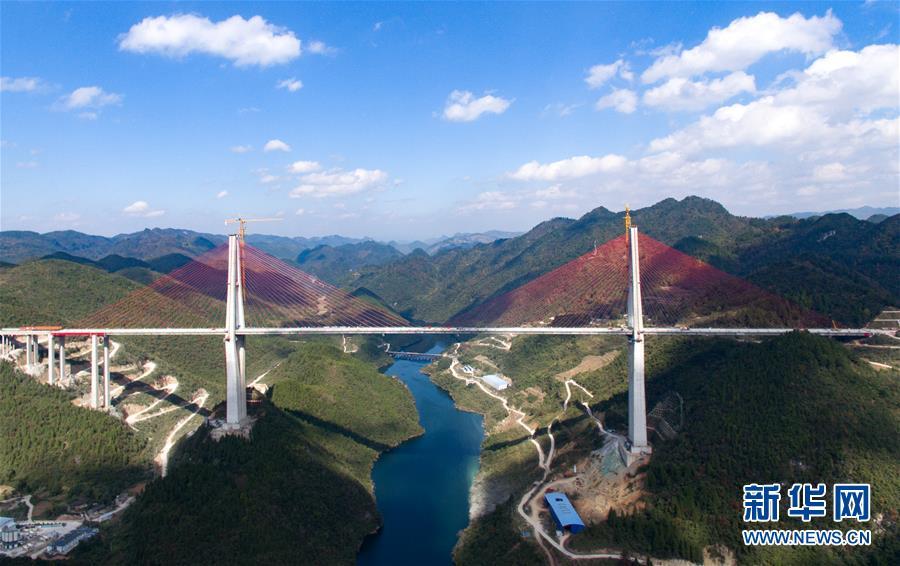 沿着高速看中国丨昔日雄关如铁,今朝如履平地