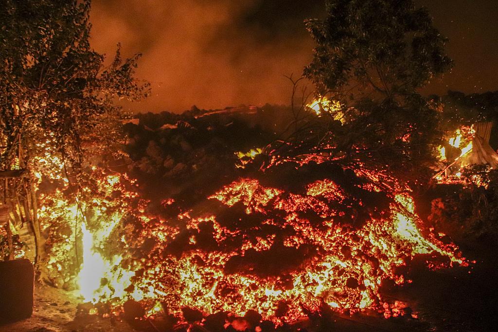 刚果(金)火山恐再次爆发 40万人大撤离:带着床垫徒步走插图(1)