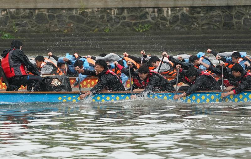 2021年江苏省龙舟精英赛(南京站)暨第四届秦淮河龙舟竞渡大赛举行。